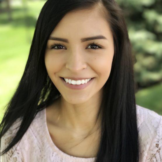 Gloria Pena, Receptionist